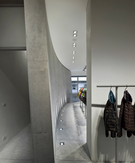 Duvetica showroom in Milan Tadeo Ando curved wall